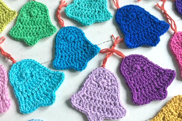 Free Christmas bell crochet pattern